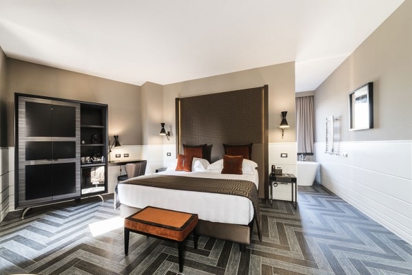 boutique-hotel-tribune1FBC599B6-C8E9-9777-9D54-A9C552E8DF45.jpg